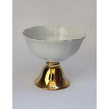 کاسه آجیل با پایه طلایی